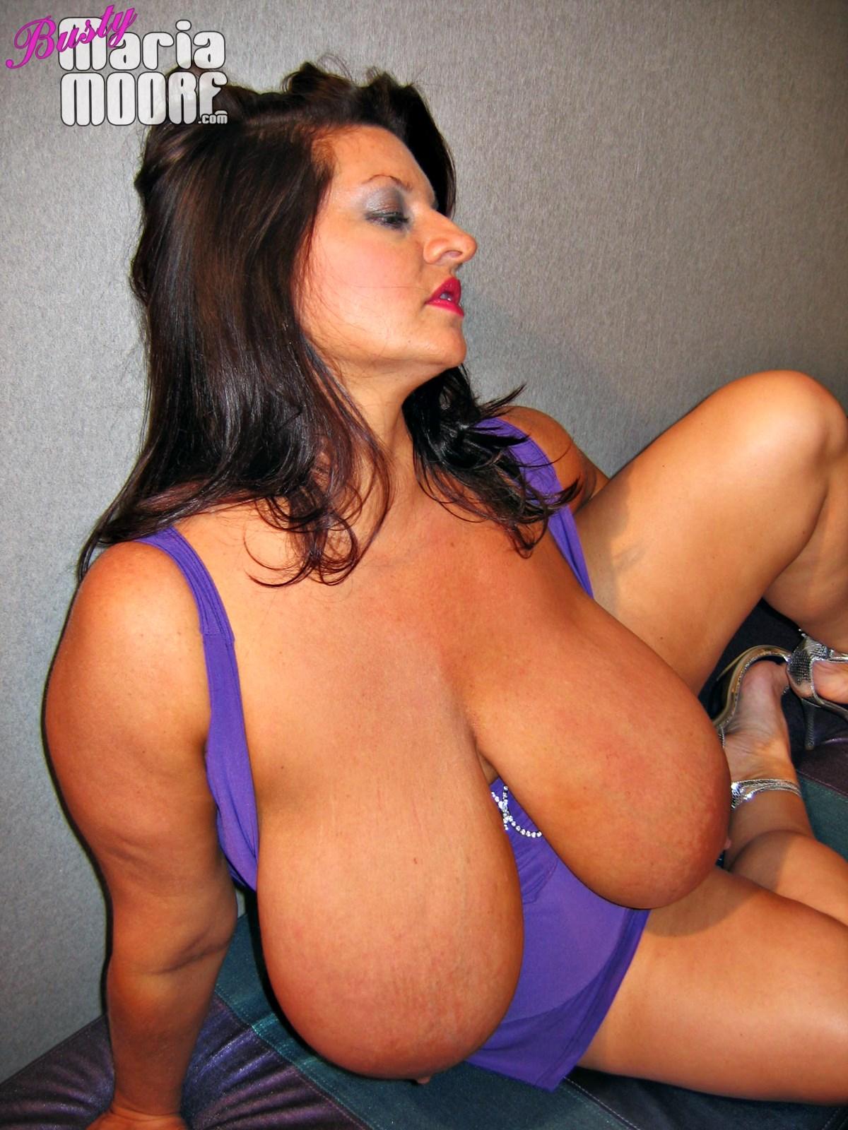 Big Tit MILF Maria Moore!!